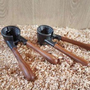 Casse noix et noisettes en bois