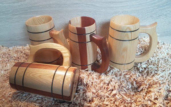 Chopes de bière en bois