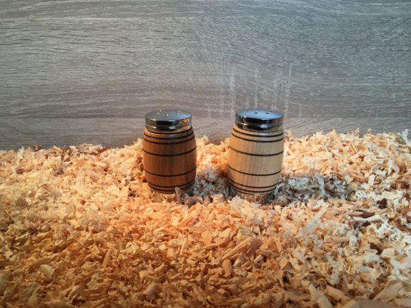 Salière et poivrière en bois